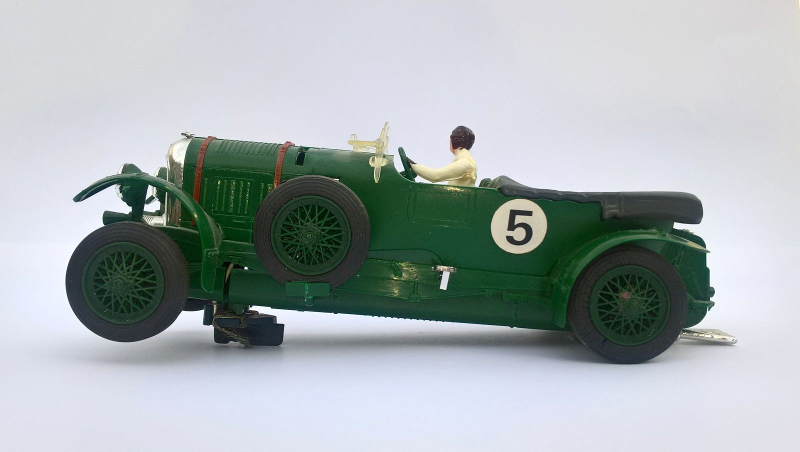 AutoRAI in Miniatuur: Scalextric Blower Bentley 1 op 32