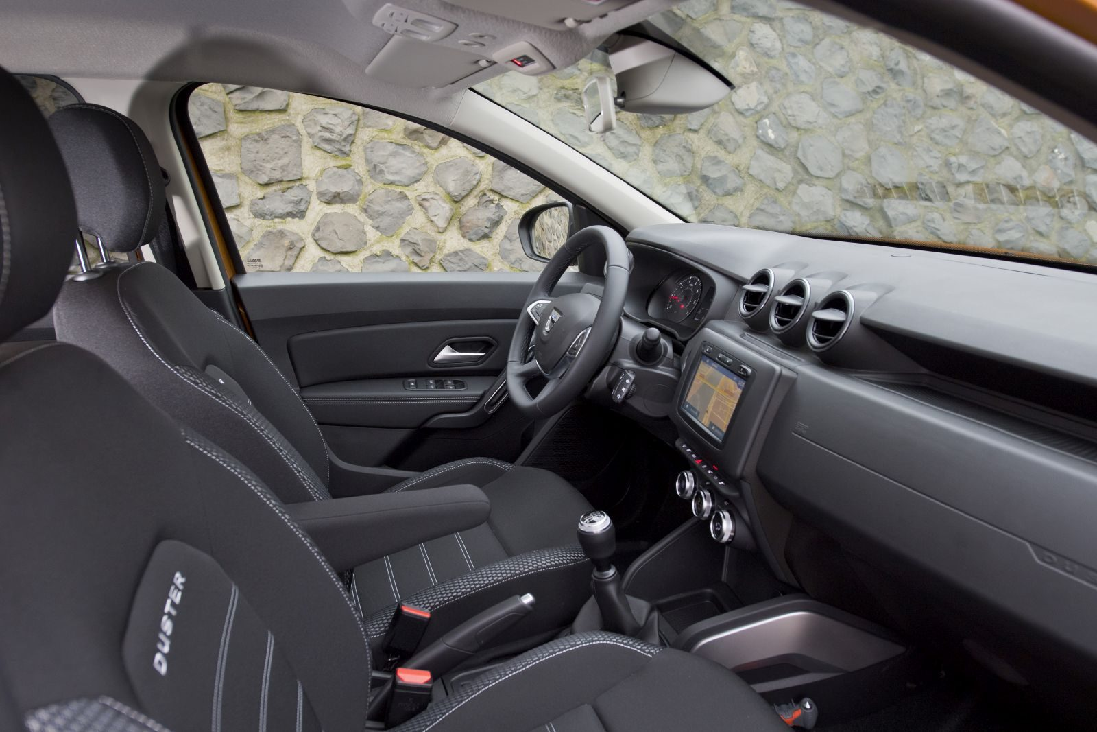 Beautiful duster dacia interieur images for Interieur duster 2018