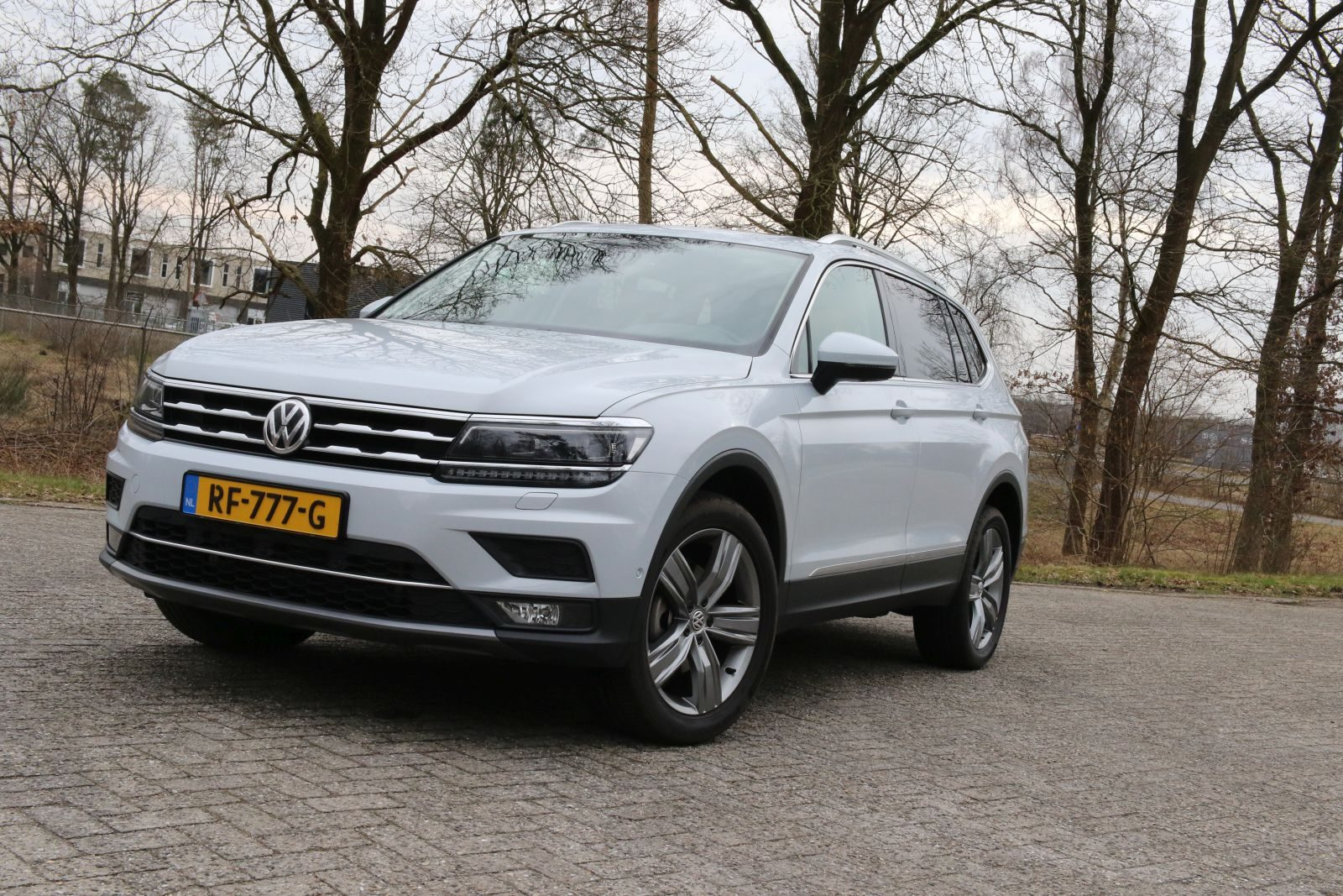 autotest volkswagen tiguan allspace. Black Bedroom Furniture Sets. Home Design Ideas