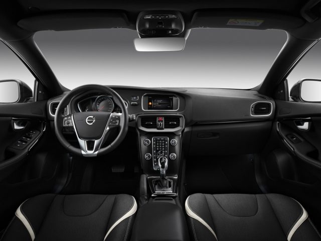 Volvo V40 Dynamic  Editions