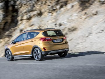 Ford Fiesta Active in de kleur Lux Yellow