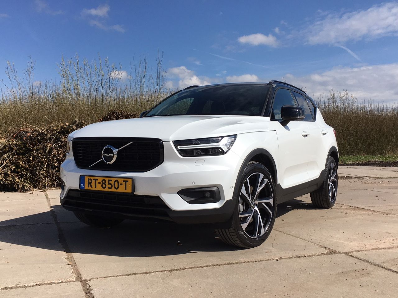 autotest is de volvo xc40 terechte auto van het jaar 2018. Black Bedroom Furniture Sets. Home Design Ideas