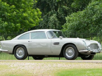 Aston Martin DB5 Sports Saloon