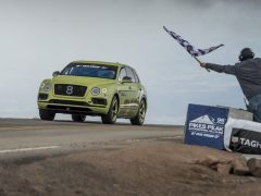 Bentley Bentayga Pikes Peak record 2018