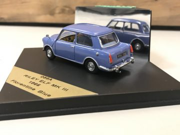 AutoRAI in Miniatuur Riley Elf en Wolseley Hornet