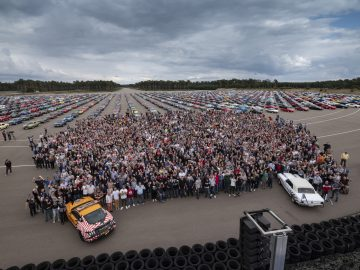 20190907 LOMMEL BELGIUM Ford Lommel Proving Ground World record of 1326 Ford Mustangs in parade