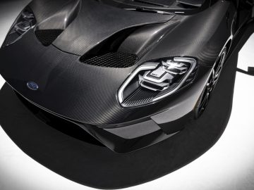Newly available Ford GT Liquid Carbon places an emphasis on GT's lightweight sculpted carbon fiber body completely free of paint color. A special clearcoat punctuates each GT's unique carbon fiber weave in this limited-edition appearance option.