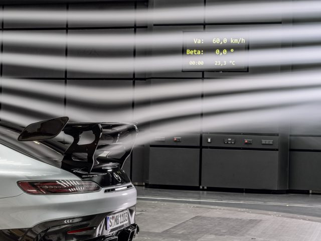 Mercedes-AMG GT Black Series (Kraftstoffverbrauch kombiniert: 12,8 l/100 km, CO2-Emissionen kombiniert: 292 g/km), 2020, Windtunnel, Exterieur, Aerodynamik, hightechsilber, Heck, doppelter Heckflügel // Mercedes-AMG GT Black Series (combined fuel consumption: 12,8 l/100 km, combined CO2 emissions: 292 g/km), 2020, exterieur, aerodynamic, hightechsilver, rear, double rear wing